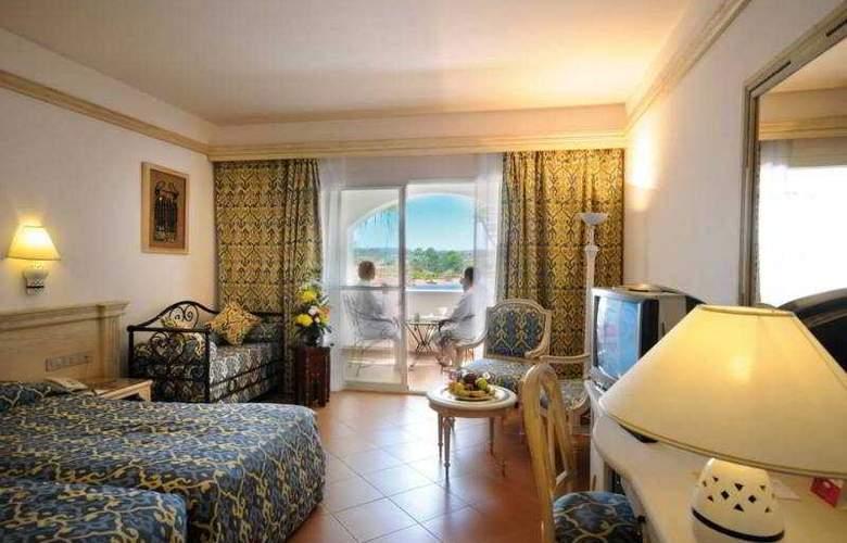 Domina Coral Bay Kings Lakes - Room - 1