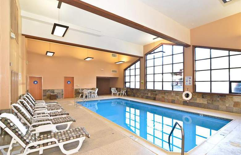 Best Western Plus High Sierra Hotel - Pool - 145