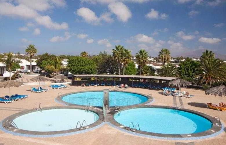 Playa Limones - Pool - 10