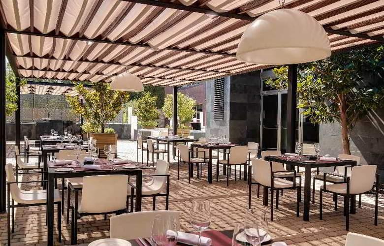 Rafaelhoteles Forum Alcala - Terrace - 49
