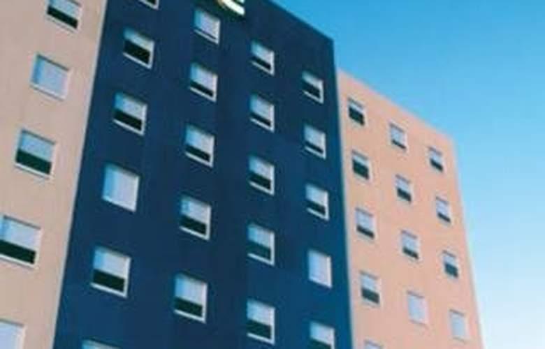 One San Luis Glorieta Juarez - Hotel - 0