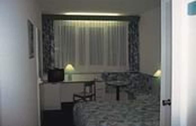 Ibis Linz City - Room - 1