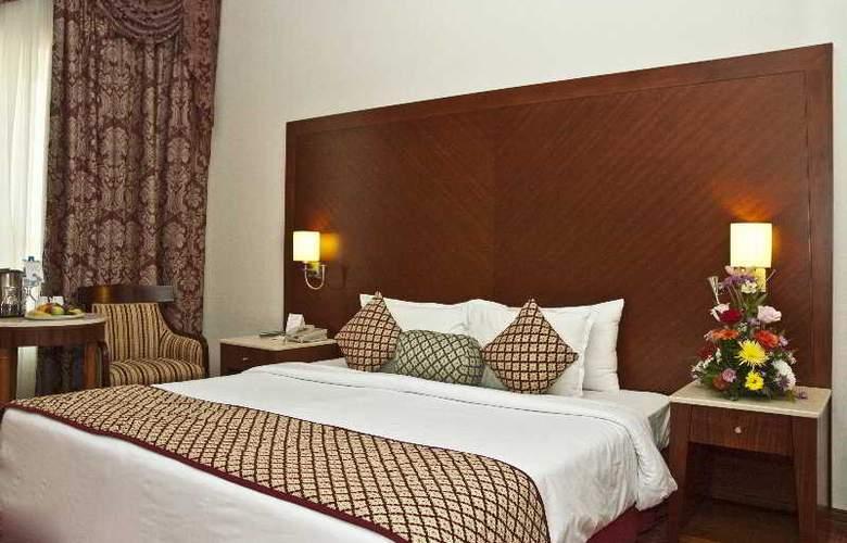 Regent Palace - Room - 2