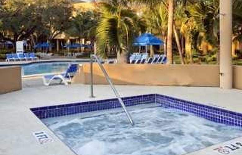 Hilton Fort Lauderdale Airport - Pool - 5