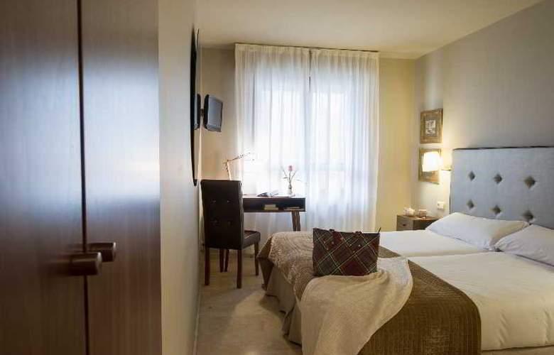Pamplona Plaza - Room - 12