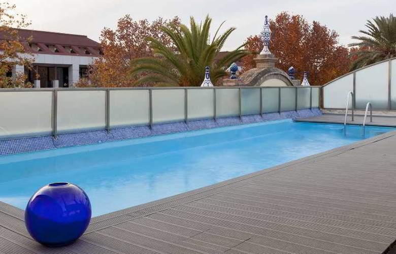 AC Ciudad de Sevilla - Pool - 16