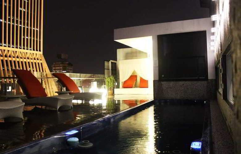 Arenaa Star Luxury - Pool - 1