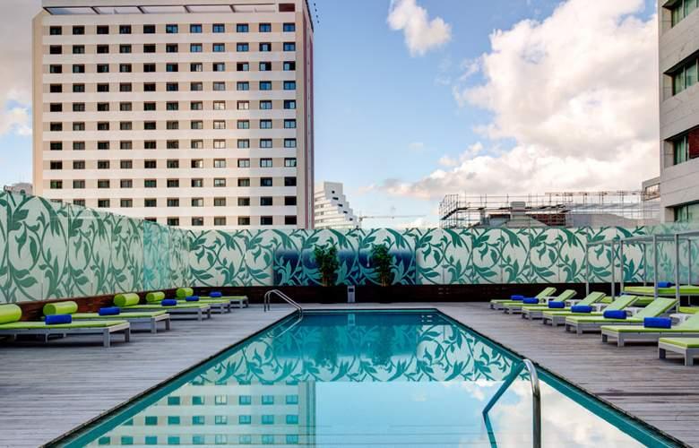 VIP Grand Lisboa - Pool - 18