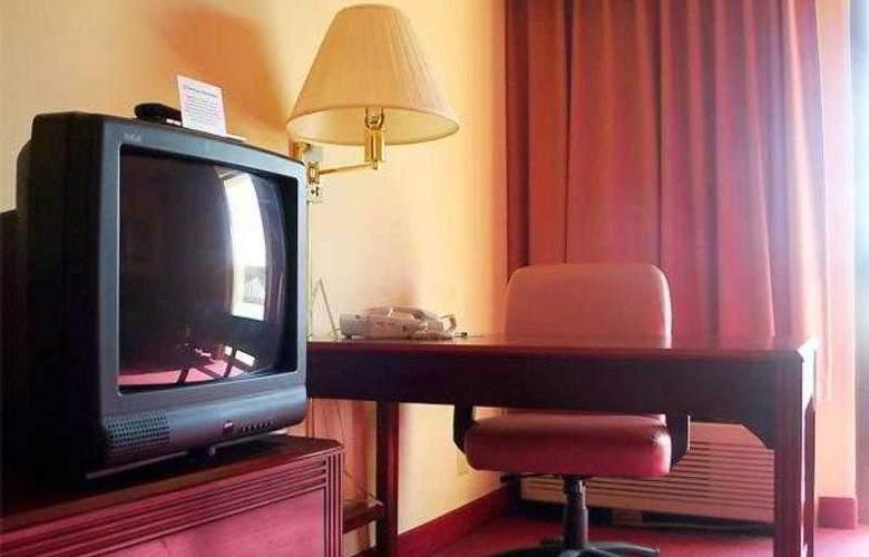 Courtyard Bentonville - Hotel - 10