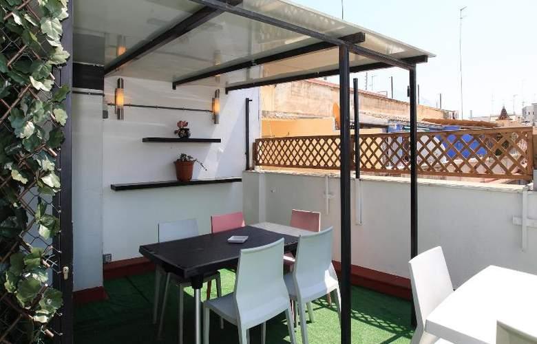 Youth Hostel Center Valencia - Terrace - 18