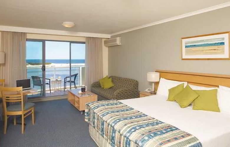 Oaks Waterfront Resort - Room - 2