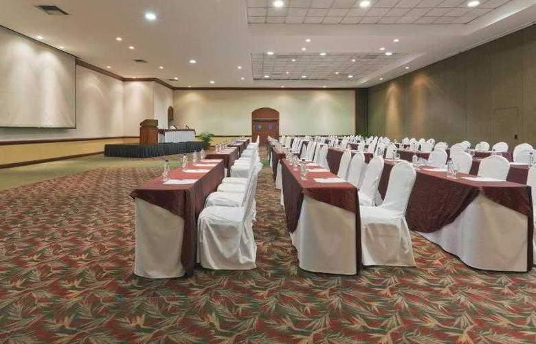 Crowne Plaza San Salvador - Hotel - 13