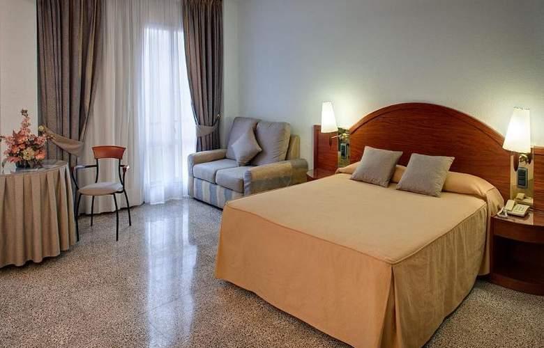 Gaudi - Room - 4