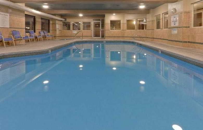 Holiday Inn West Yellowstone - Pool - 20