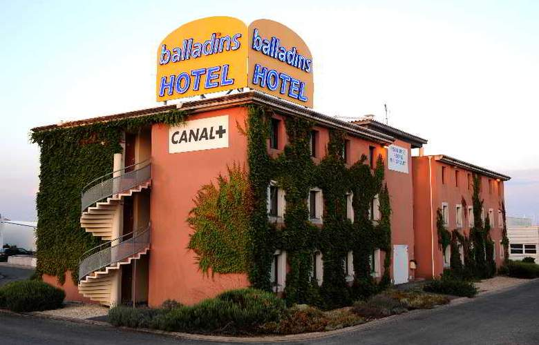 Balladins La Rochelle Aytre - Hotel - 1