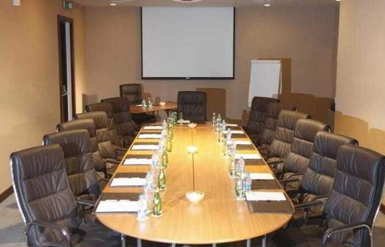Holiday Inn Al Qasr - Conference - 4
