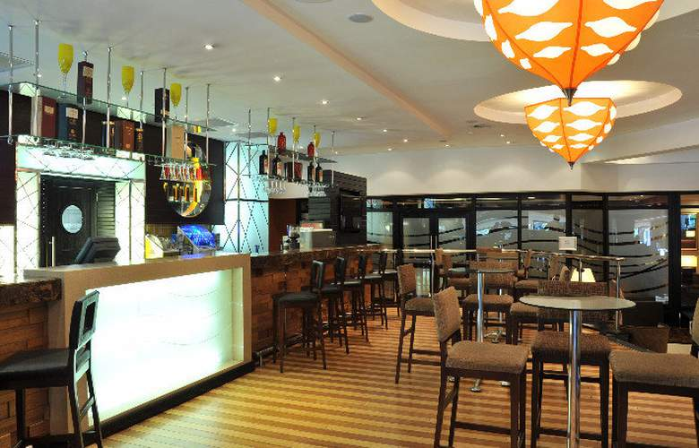 Protea Hotel Midrand - Bar - 10
