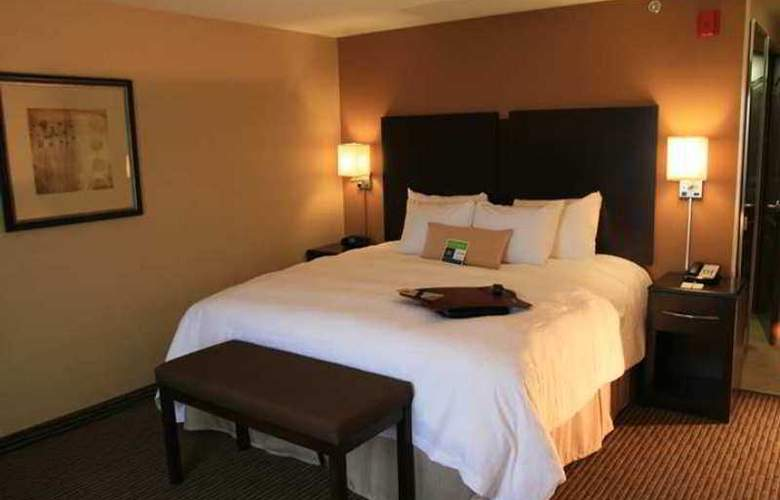Hampton Inn And Suites Bakersfield - Hotel - 12
