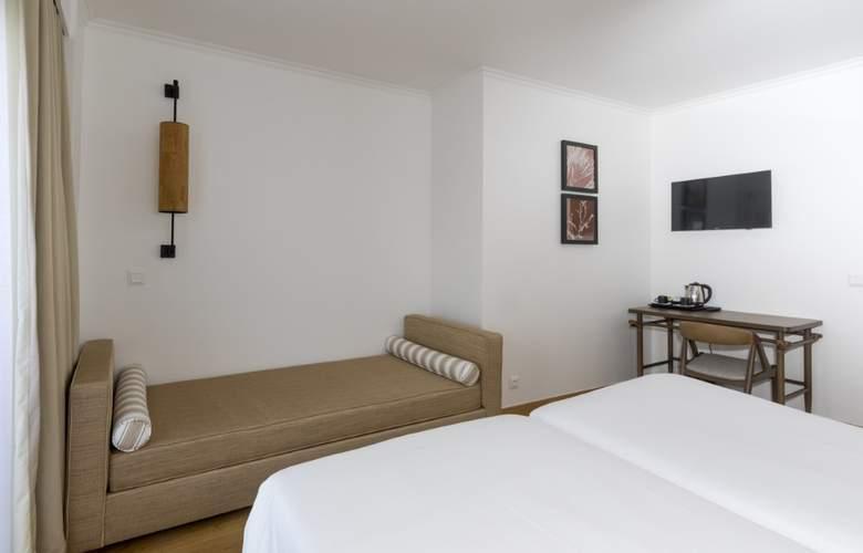 Ponta Delgada - Room - 9
