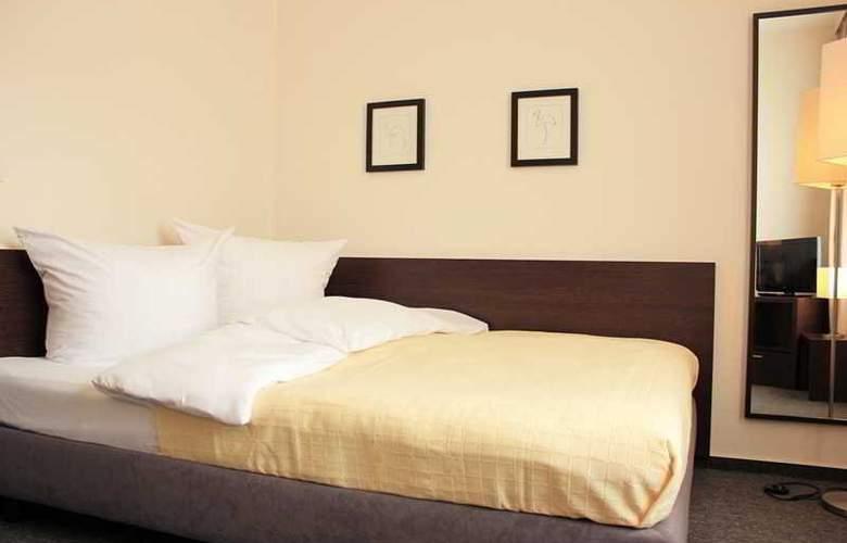 Luetzow - Room - 4