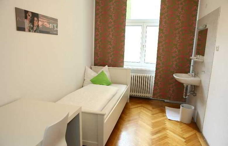 Hostel & Guesthouse Kaiser 23 - Room - 4