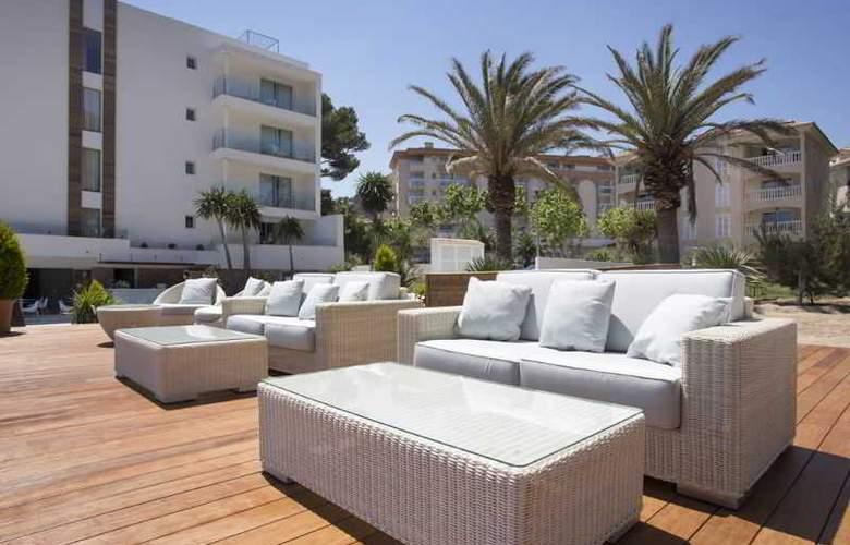 Melbeach Hotel & Spa - Terrace - 6