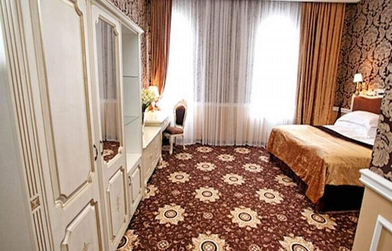 Royal Grand Hotel - Room - 8