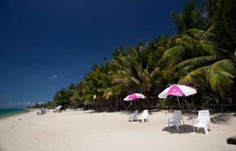 Coconut Beach Resort - Beach - 9