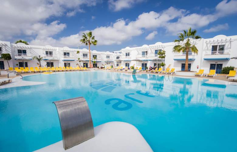 Arena Beach - Hotel - 0