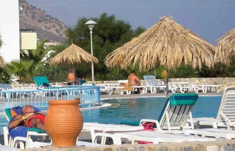 Evripides Village - Pool - 7