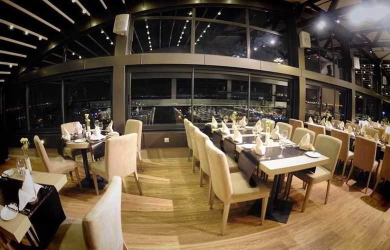 Wes Hotel - Restaurant - 31