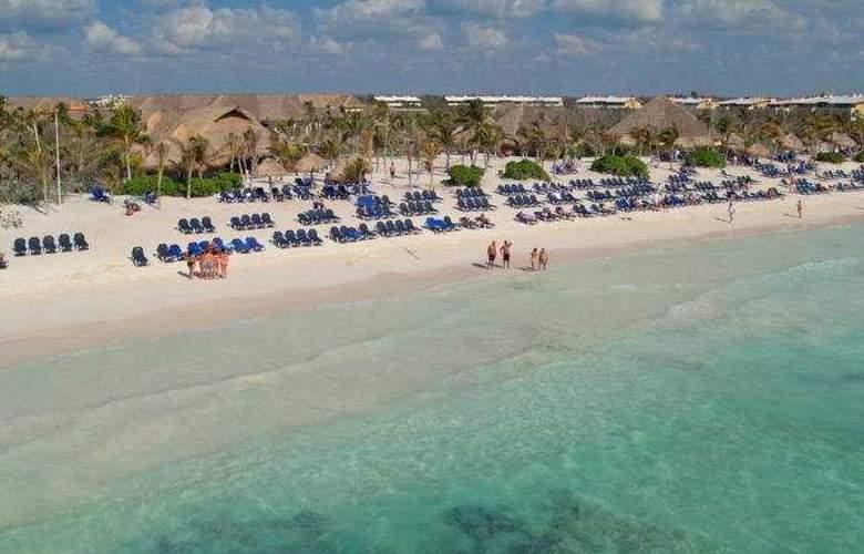 Grand Palladium Kantenah Resort & Spa - Beach - 8