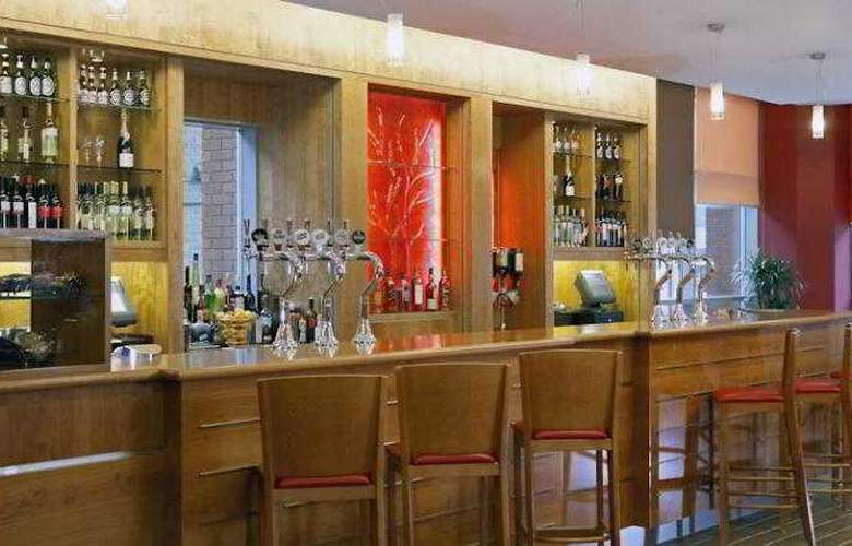 Jurys Inn Sheffield - Bar - 10