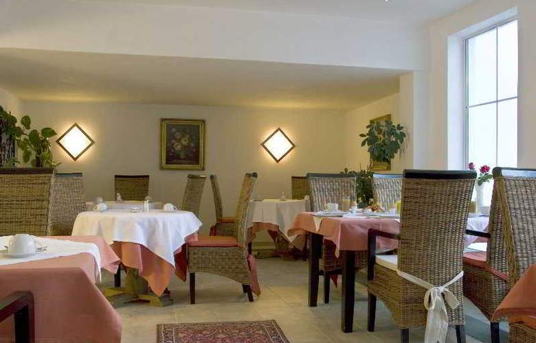 Gisela Hotel - Restaurant - 9