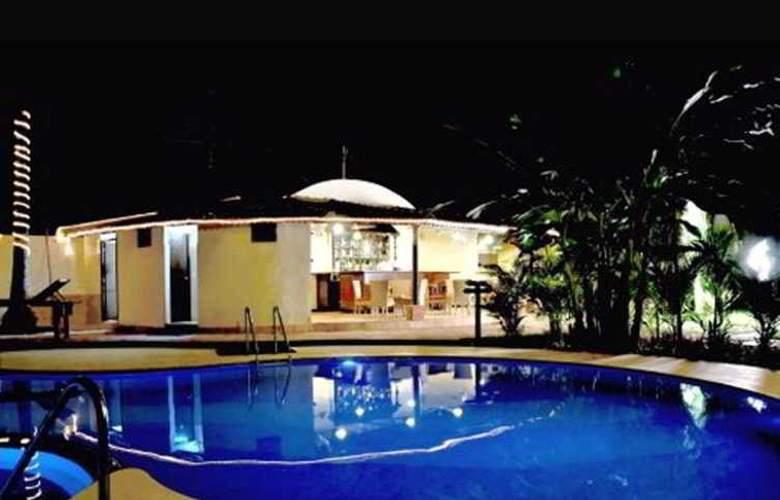 Best Western Devasthali - Pool - 5