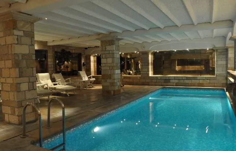 Sandton Hotel Broel - Pool - 2