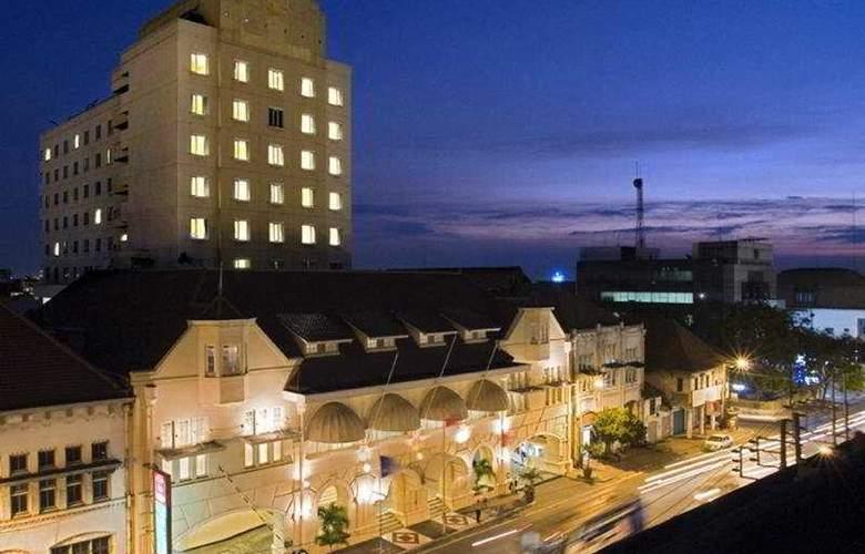 Ibis Rajawali - Hotel - 0
