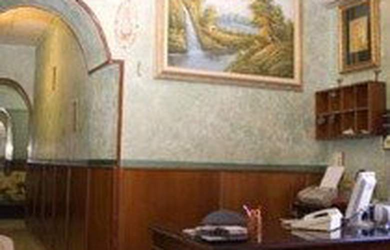 Farini - Hotel - 0