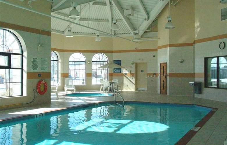 Best Western Plus Executive Inn Scarborough - Pool - 133