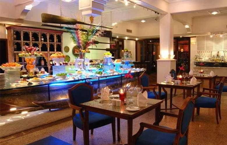 Royal Palm Beach - Restaurant - 8