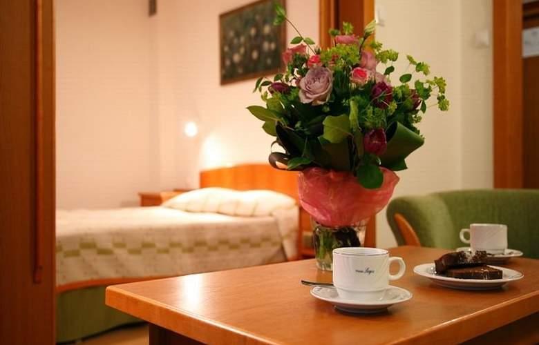 Logos Hotel - Room - 4