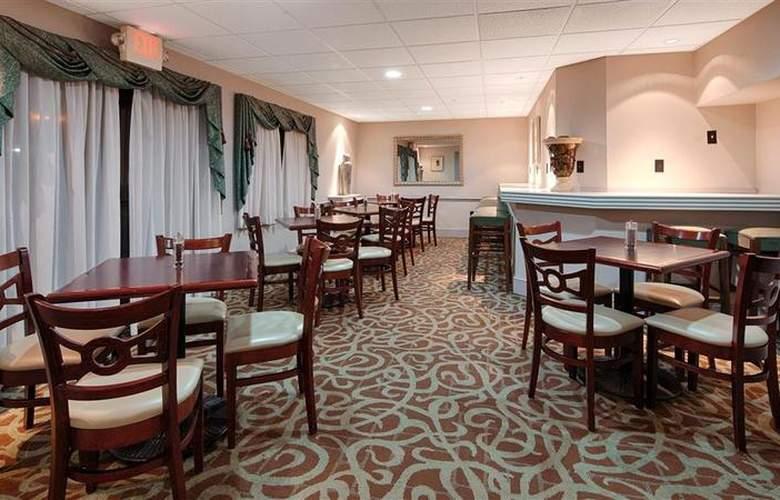 Best Western Plus Concordville Hotel - Restaurant - 109