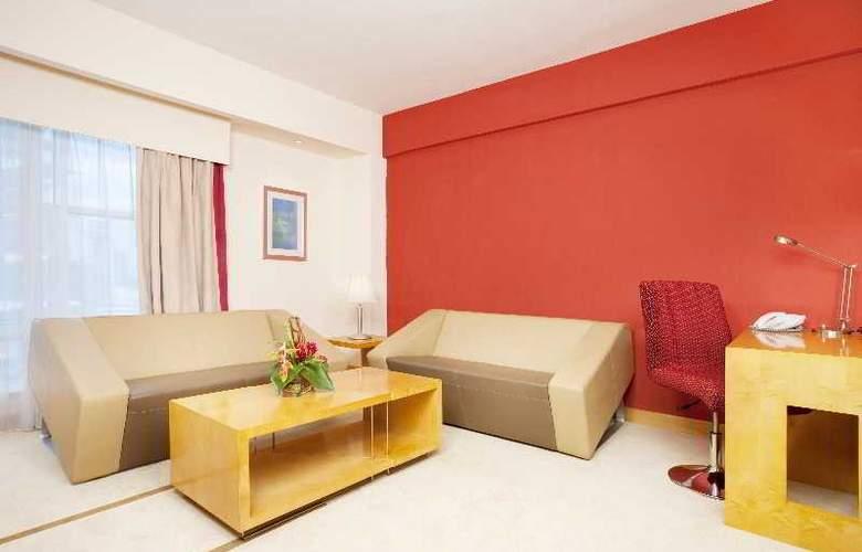 Holiday Inn Dar Es Salaam - Room - 8