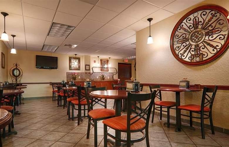 Best Western Universal Inn - Restaurant - 63