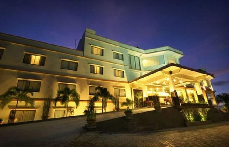 Swiss-Belhotel Silae Palu - Hotel - 0