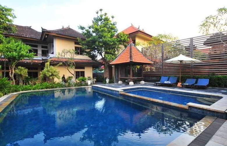 Sandat Legian Hotel - Pool - 9
