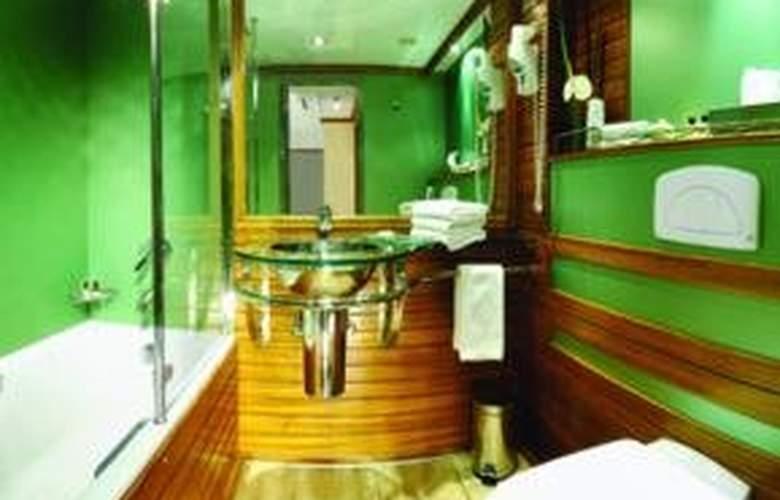 M/S Moevenpick Royal Lotus Nile Cruise - Room - 0