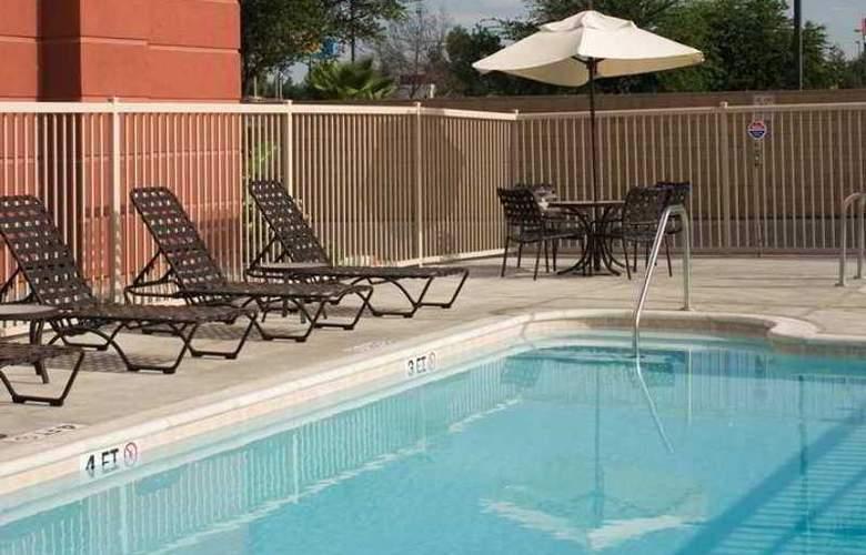 Hampton Inn & Suites Tulare - Hotel - 7