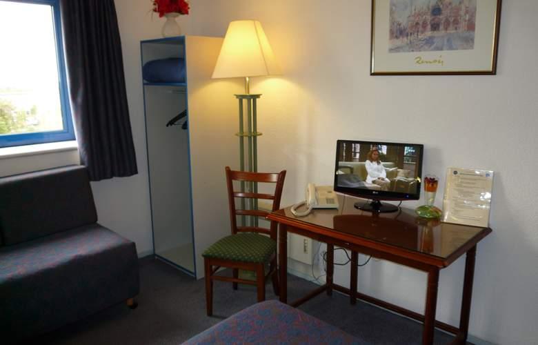 Euro Hotel Orly Rungis - Room - 2