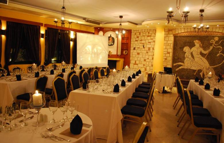 Athena Pallas Village - Restaurant - 4